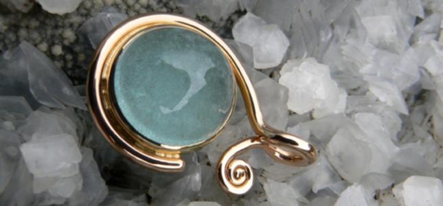 azure hug  | pendants