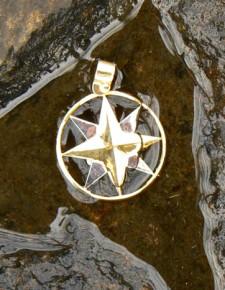 Il terrore del Vento nel Triangolo delle Bermude   Ciondoli in oro